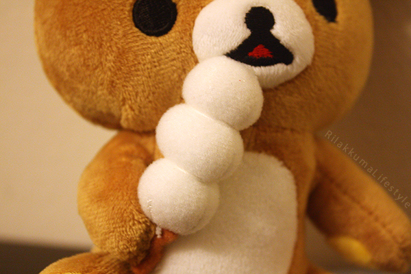 Royal Rilakkuma - dango detail