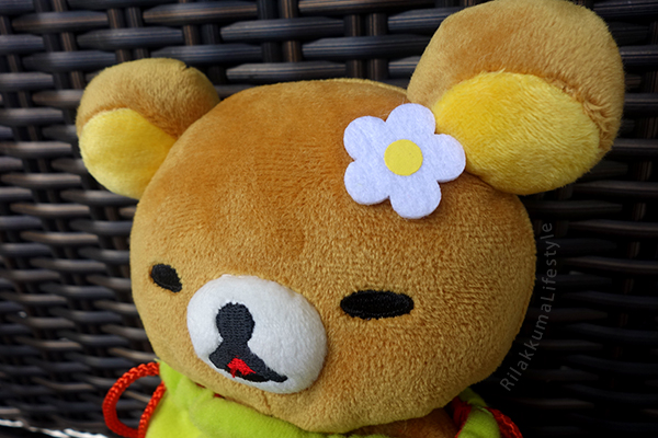 Strawberry Bag Rilakkuma - flower detail