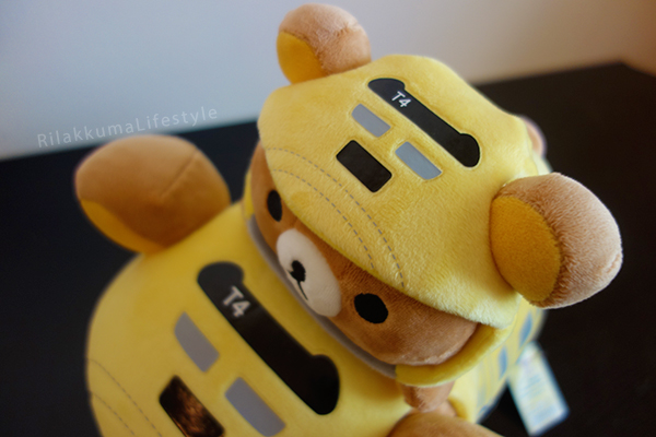 Rilakkuma Meets Dr. Yellow - front detail, cars