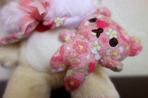 Rilakkuma Factory 2015 - リラックマファクトリー - Korilakkuma Strawberry Flower - コリラックマのストロベリーフラワー - リラックマ ぬいぐるみ - pattern bear detail
