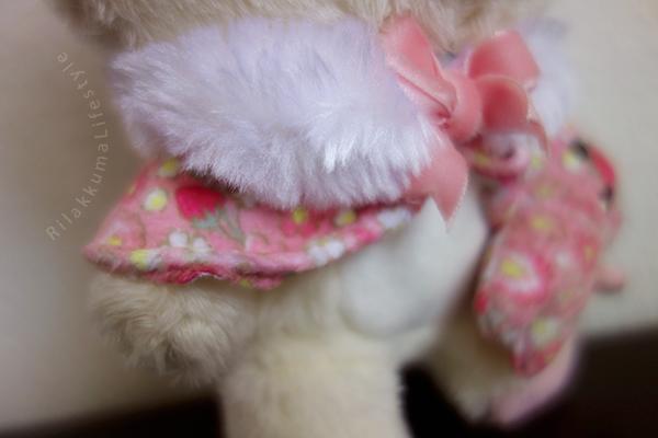 Rilakkuma Factory 2015 - リラックマファクトリー - Korilakkuma Strawberry Flower - コリラックマのストロベリーフラワー - リラックマ ぬいぐるみ - stole detail