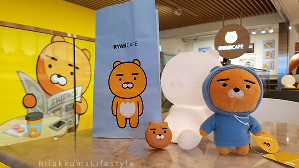Rilakkuma Lifestyle in Seoul - KAKAO Friends Store and Cafe - Hongdae 홍대