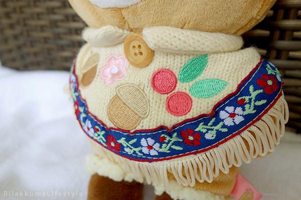てぶくろをとどけに - あつめてぬいぐるみ - Handmade Mittens Series - Rilakkuma - standard plush - poncho detail