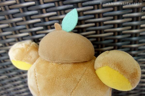 てぶくろをとどけに - あつめてぬいぐるみ - Handmade Mittens Series - Rilakkuma - standard plush - acorn hat detail