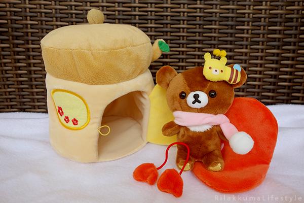 てぶくろをとどけに - チャイロイコグマの どんぐりのおうちセット - Kogumachan - Chairoikoguma - Handmade Mittens Series - Acorn House Plush Playset - full