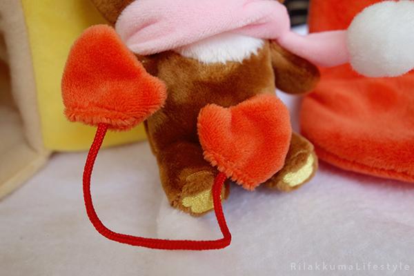 てぶくろをとどけに - チャイロイコグマの どんぐりのおうちセット - Kogumachan - Chairoikoguma - Handmade Mittens Series - Acorn House Plush Playset - mitten detail