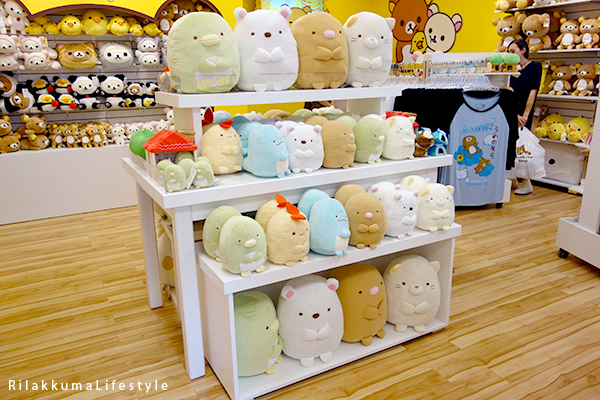 Rilakkuma Lifestyle - Rilakkuma Shop - Soft Opening - Westfield Brandon Center Mall Florida - First Rilakkuma Shop in US - Sumikko Gurashi plush