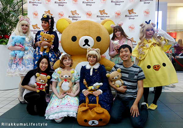 Rilakkuma Lifestyle - リラックマ - Rilakkuma Shop - Christmas Event - Westfield Brandon Center Mall Florida - First Rilakkuma Shop in US - Rilakkuma mascot and lolita girls
