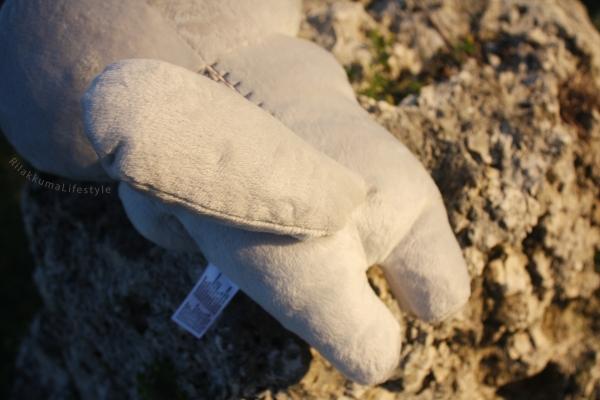 Rilakkuma Lifestyle - Rilakkuma plush - Sea otter series - stuffed animal - cute - kawaii - だららっこ - リラックマ あつめてぬいぐるみ - tail and back detail