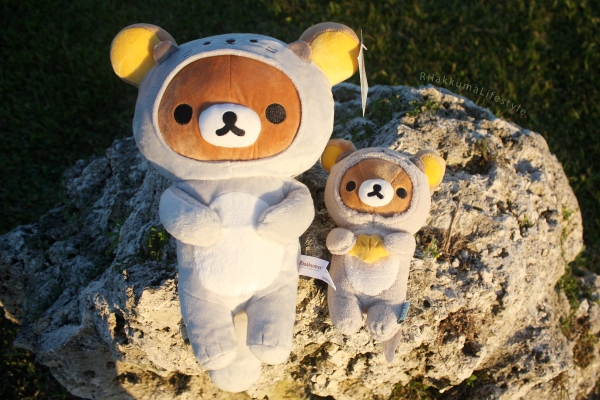 Rilakkuma Lifestyle - Rilakkuma plush - Sea otter series - stuffed animal - cute - kawaii - だららっこ - リラックマ あつめてぬいぐるみ - side by side