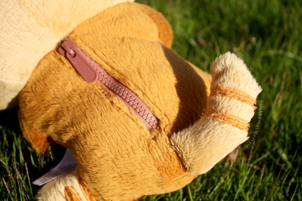 Rilakkuma Lifestyle - Rilakkuma plush - Tiger series - taiyaki - cat series - stuffed animal - cute - kawaii - のんびりネコ - リラックマ ぬいぐるみ - back zipper tail detail