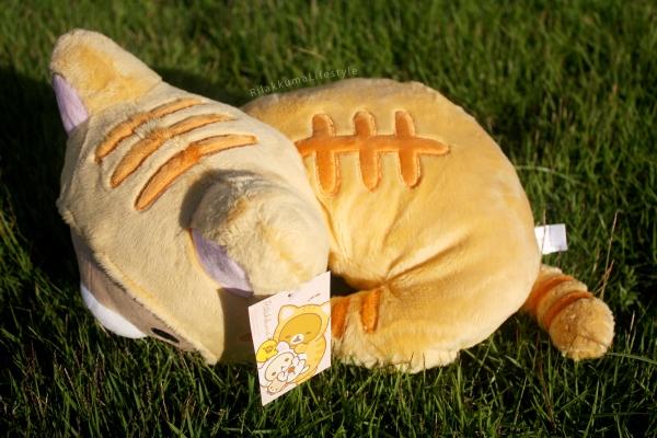 Rilakkuma Lifestyle - Rilakkuma plush - Tiger series - sleepy laydown - cat series - stuffed animal - cute - kawaii - のんびりネコ - リラックマ ぬいぐるみ - top view stripes